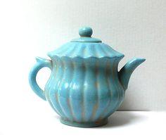 Chinese Blue Crackle Ceramic Pottery Jar Teapot Display