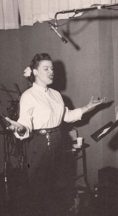 Patsy Cline. The woman who turned me on to country music. This shows you just her powerful her voice was - check how far away from her mouth that microphone is.