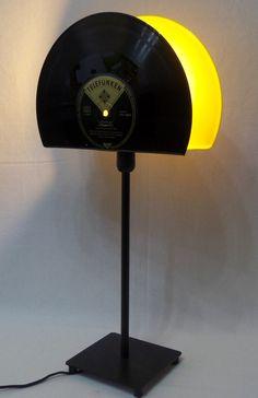 "Table lamp from 10 ""vinyl record, vinyl by VinylKunst Aurum - Scha ."