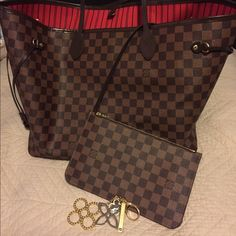Pristine Neverfull GM Neverfull GM Damier Ebène w/ removable clutch and Tapage Bag Charm. Worn only once. Louis Vuitton Bags Totes