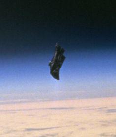Credit http://eol.jsc.nasa.gov/ The Black Knight, A 13000 Year Old Alien Satellite?