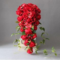 Artificial Red Roses Waterfall Brides Bouquet Wedding Flowers Berry Green Leaves Bridal Wedding Bouquet Brooch Bouquet Ramos De Novia 2018