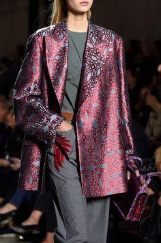 Défilé Dries Van Noten Printemps-été 2016 Prêt-à-porter Fashion Week, High Fashion, Fashion Outfits, Womens Fashion, Ladies Fashion, Looks Style, My Style, Dries Van Noten, Style Ethnique