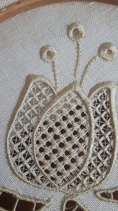 Robin DeSpain's media content and analytics Hardanger Embroidery, Embroidery Needles, White Embroidery, Embroidery Patterns, Drawn Thread, Point Lace, Needle Lace, Lace Making, Antique Lace