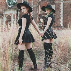 Too Ghoul For School; Peek New Arrivals! Best Friend Poses, Halloween Photography, Halloween Photos, Vintage Halloween, Halloween Projects, Goth Model, Dark Photography, Halloween Disfraces, Photoshoot Inspiration