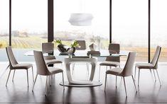 La mesa Omnia, de la firma italiana Calligaris, es la opción ideal para decorar los espacios lujosos.