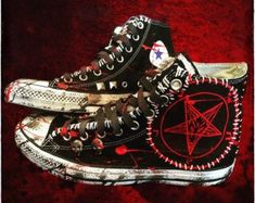 Pentagram Goat Lord shoes by Chad Cherry Punk Outfits, Gothic Outfits, Grunge Outfits, Fashion Outfits, Mode Emo, Mode Punk, Gothic Shoes, Punk Shoes, Diy Punk
