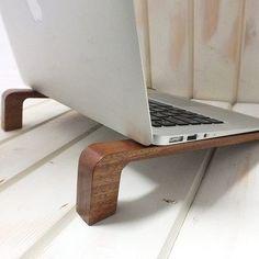 Beautiful laptop stand.