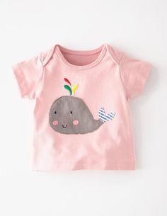 Ich habe das auf @BodenDirect entdeckt. T-Shirt mit sommerlicher Applikation Ballettrosa/Wal