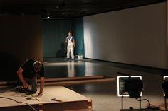 """Über Monate liefen die Vorbereitungen auf die Ausstellung """"100 Jahre Lehmbrucks Kniende — Paris 1911"""". Dafür wurde bei uns geräumt, gestrichen, gehämmert und gebaut. Eine kleine Dokumentation aus den Kulissen des LehmbruckMuseums."""