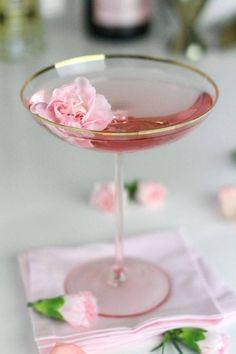 Vintage. Champagne. Rose.