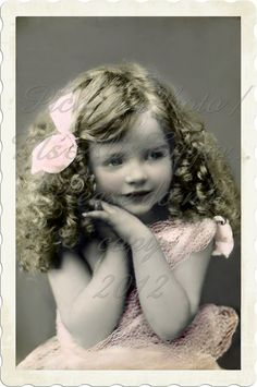 Etsy の Vintage Digital photo Sweet Curls Girl by MsAlisEmporium