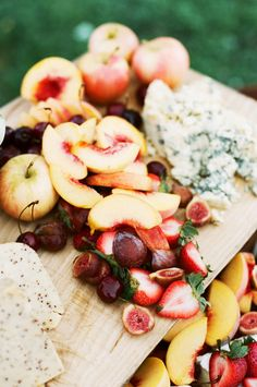 Fresh fruit and cheese platter.