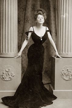 1910s: The Gibson Girl dominates. | This Is What The Ideal Body Has Looked Like Over The Past 100 Years