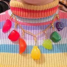 rainbow trend aesthetic Over The Rainbow Rainbow Aesthetic, Aesthetic Indie, Aesthetic Clothes, Pulseras Kandi, Estilo Indie, Mabel Pines, Accesorios Casual, Jolie Photo, Over The Rainbow