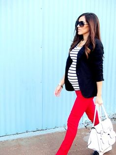 Maternity Fashion: Mid-sleeve jacket with red jeans