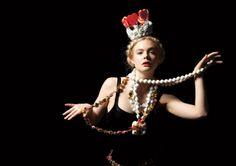 elle fanning queen of hearts