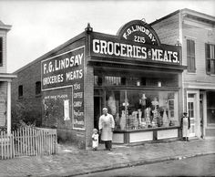 grocery shopping...1925