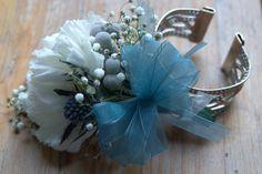 Blue and white wristlet - perfect for the mother of the bride