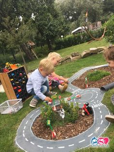 Kids usually prefer playing outdoors rather than having to keep quiet inside the house, besides the many fun things they can get, playing outside also gives Outdoor Fun: 25 Fun Outdoor Playground Ideas For Kids. Kids Outdoor Playground, Outdoor Fun For Kids, Outdoor Play Areas, Playground Design, Backyard For Kids, Playground Ideas, Kids Fun, Outdoor Games, Outdoor Bowling