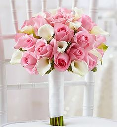 Bouquet with pink roses and white calla lillies. so pretty!!
