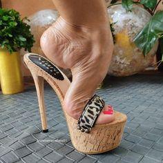 Hot Heels, Sexy High Heels, Strappy Heels, Stiletto Heels, Jamel Shabazz, Beautiful Toes, Women's Feet, Pretty Shoes, Heeled Mules