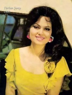 Real work done in real time ! Film Archive, Celebrity Stars, Cinema Film, Gothic Girls, Film Posters, Vintage Beauty, Most Beautiful Women, Nostalgia, Islam
