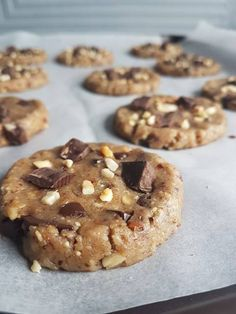 The buckwheat association, hazelnuts and dark chocolate chips is undoubtedly . Healthy Vegan Desserts, No Cook Desserts, Healthy Cookies, Yummy Cookies, Easy Desserts, Healthy Recipes, Dessert Simple, Easy Cookie Recipes, Brownie Recipes