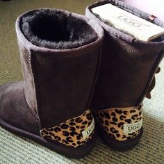 c03d58fec2d6 I want these like right now!!  Uggboots Winter Boots Outfits