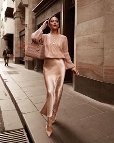 Satur-date night ready 💙 ✨ Classy Outfits, Chic Outfits, Dress Outfits, Trendy Outfits, Long Skirt Outfits, Dresses, Winter Fashion Outfits, Fall Outfits, Autumn Fashion