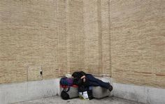 Millions falling into poverty in recession-racked Italy:ISTAT.(May 22nd 2013)