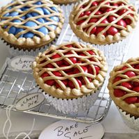 "cupcakes + yellow icing + m = ""pie"" cupcakes"