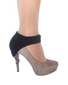 Shoe Heel Protector While Driving