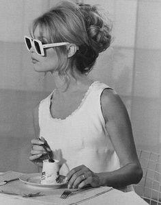 Brigitte Bardot - the original uptini lady