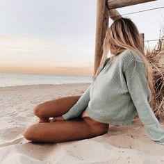 Pin od anna nowak na photo beach aesthetic, beach i one summer. Beach Aesthetic, Summer Aesthetic, Blonde Aesthetic, Aesthetic Hair, The Beach, Beach Day, Beach Girls, Beach Girl Style, Surfer Girl Style