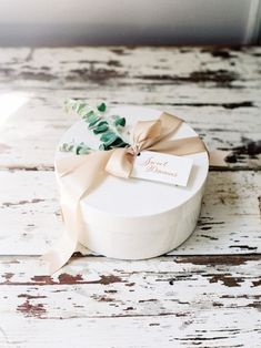 Washington, DC-based Marigold & Grey allows brides, grooms and wedding planners to design their own artisan wedding welcome gifts. Also offering custom gift Custom Gift Boxes, Customized Gifts, Wedding Welcome Gifts, Wedding Gifts, Flower Packaging, Jewelry Packaging, Jewelry Branding, Welcome Gift Basket, Succulent Gifts