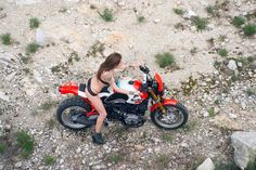 "Cool custom BMW R NineT Scrambler ""Marlboro"" by Luis Moto. Inspired by the legendary BMW that won the Dakar several times. Scrambler Motorcycle, Motorcycle Outfit, Motorcycle Girls, Bmw R Ninet Scrambler, Yamaha Cafe Racer, Cafe Racers, Custom Bmw, New Bmw, Car Travel"