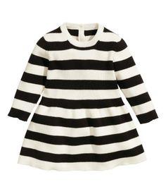 Dit schattige jurkje kun je jammer genoeg alleen maar in US krijgen maar ik wil hem toch even laten zien! Van de H&M  |AmberX