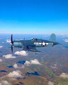 A Chance Vought Corsair. Navy Aircraft, Ww2 Aircraft, Fighter Aircraft, Military Aircraft, Aviation World, Aviation Art, Air Fighter, Fighter Jets, Fixed Wing Aircraft