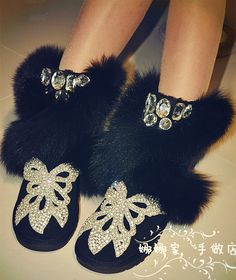 http://www.aliexpress.com/item/Snow-boots-genuine-leather-female-cotton-padded-shoes-fox-fur-rhinestone-fur-knee-high-fur-boots/32220352046.html