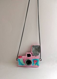 #necklace #fimo #camara #dianafmini Kate Spade, Handmade, Crafts, Bags, Fimo, Handbags, Hand Made, Manualidades, Taschen