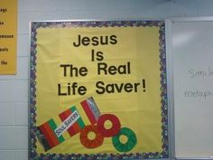 Christian Bulletin Board Ideas, OH my goodness! Love these bulletin board ideas I'm finding on here :) Religious Bulletin Boards, Bible Bulletin Boards, Christian Bulletin Boards, Summer Bulletin Boards, Preschool Bulletin Boards, Bullentin Boards, Bulletin Board Ideas For Church, Christian Classroom, Sunday School Rooms