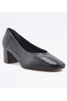Lana - Ballerines noires à talons et bout carré - Femme 34 https://modasto.com/urban-outfitters/kadin-ayakkabi/br47208ct13 #modasto #giyim