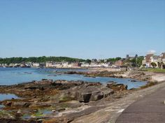 Millport, la capitale de l'île - Isle of Cumbrae - love taking the ferry across, hiring bikes and being a child again - bliss!