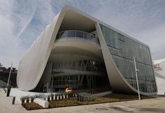 I primi giorni di Expo 2015 fotografati - Il Post Expo 2015, Marina Bay Sands, Opera House, Building, Travel, Fotografia, Viajes, Buildings, Destinations