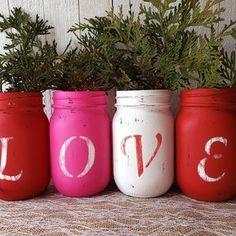Red Mason Jars, Mason Jar Cards, Glitter Mason Jars, Rustic Mason Jars, Mason Jar Diy, Valentine Crafts, Valentines, Recycled Jars, Jar Art