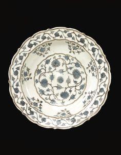 A rare Iznik Chinoiserie dish, Turkey, circa 1560 - Sotheby's Ceramic Tile Art, Ceramic Painting, Islamic Tiles, Middle Eastern Art, Geometric Decor, Turkish Tiles, Antique Glass, Ancient Art, Chinoiserie