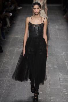 Valentino Fall 2016 Ready-to-Wear Fashion Show - Mica Arganaraz