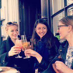 Had such a fun weekend with these lovely ladies! Pls come back soon ❤️ @diamond_dansku @superaino #weekendfun #providores #bubbles #londonhelsinkiårhus #suomimamat #happiness #marylebone #london