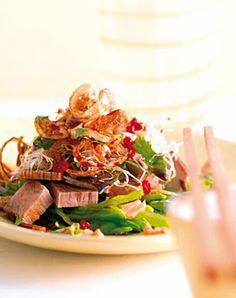 Salat mit Koriander und Chili